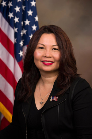Tammy_Duckworth,_official_portrait,_113th_Congress-small